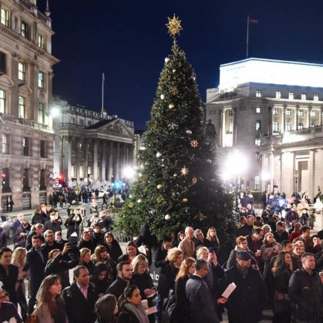 royal-exchange-christmas-tree